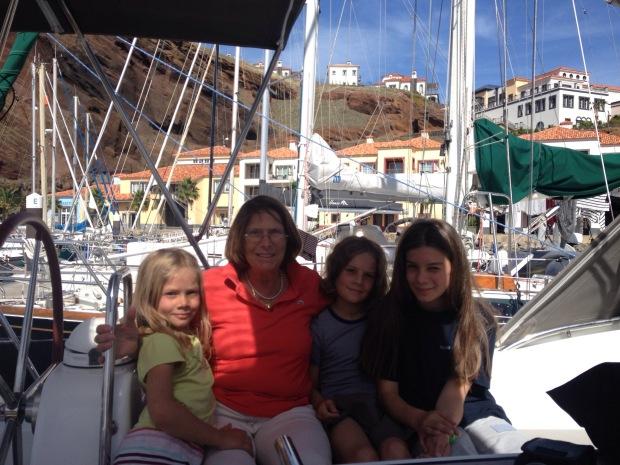 Marina Quinta de Lorde an der Südostküste von Madeira, endlich ist die geliebte Großmama da.