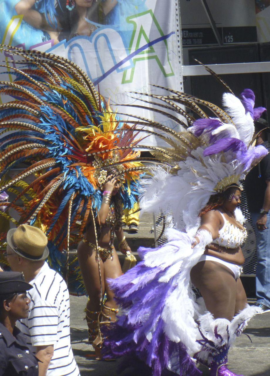 Es gab sogar ein paar Dickere bei der grossen Parade in Trinidad
