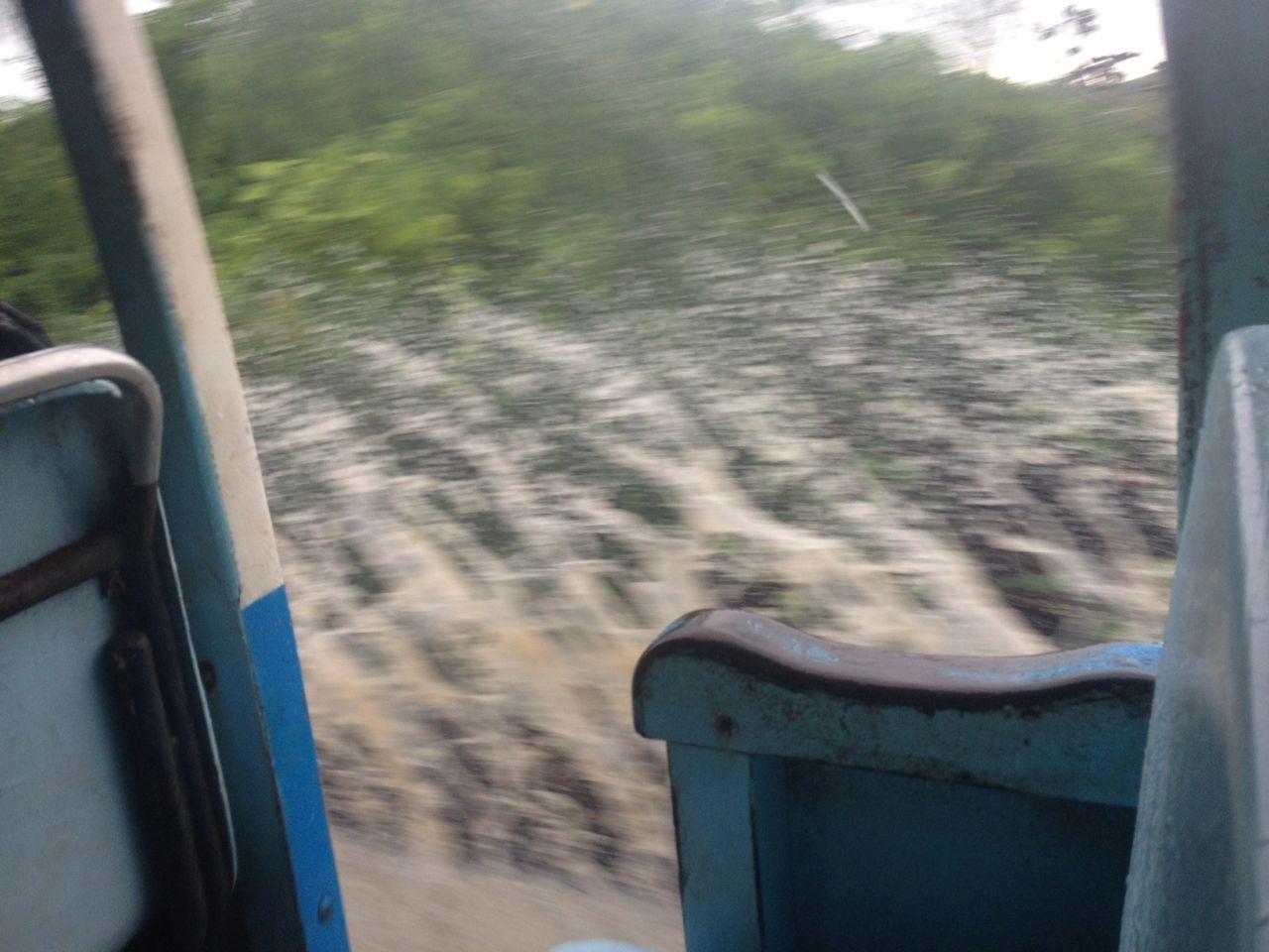 Fahrt auf Lastwagen zur Vulkantour auf Isabela