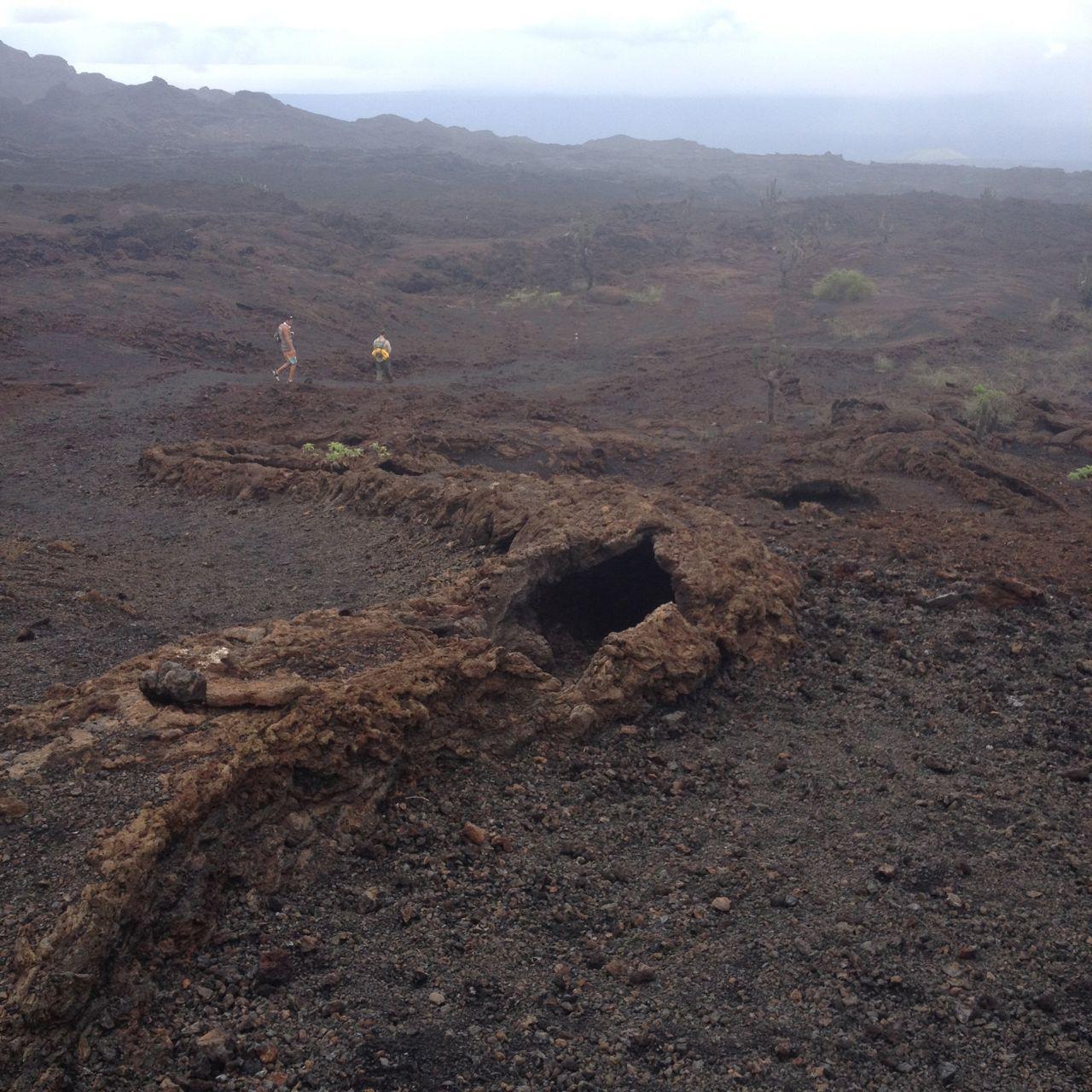 Lavatunnel auf dem Vulkan Sierra Negra auf Isabella