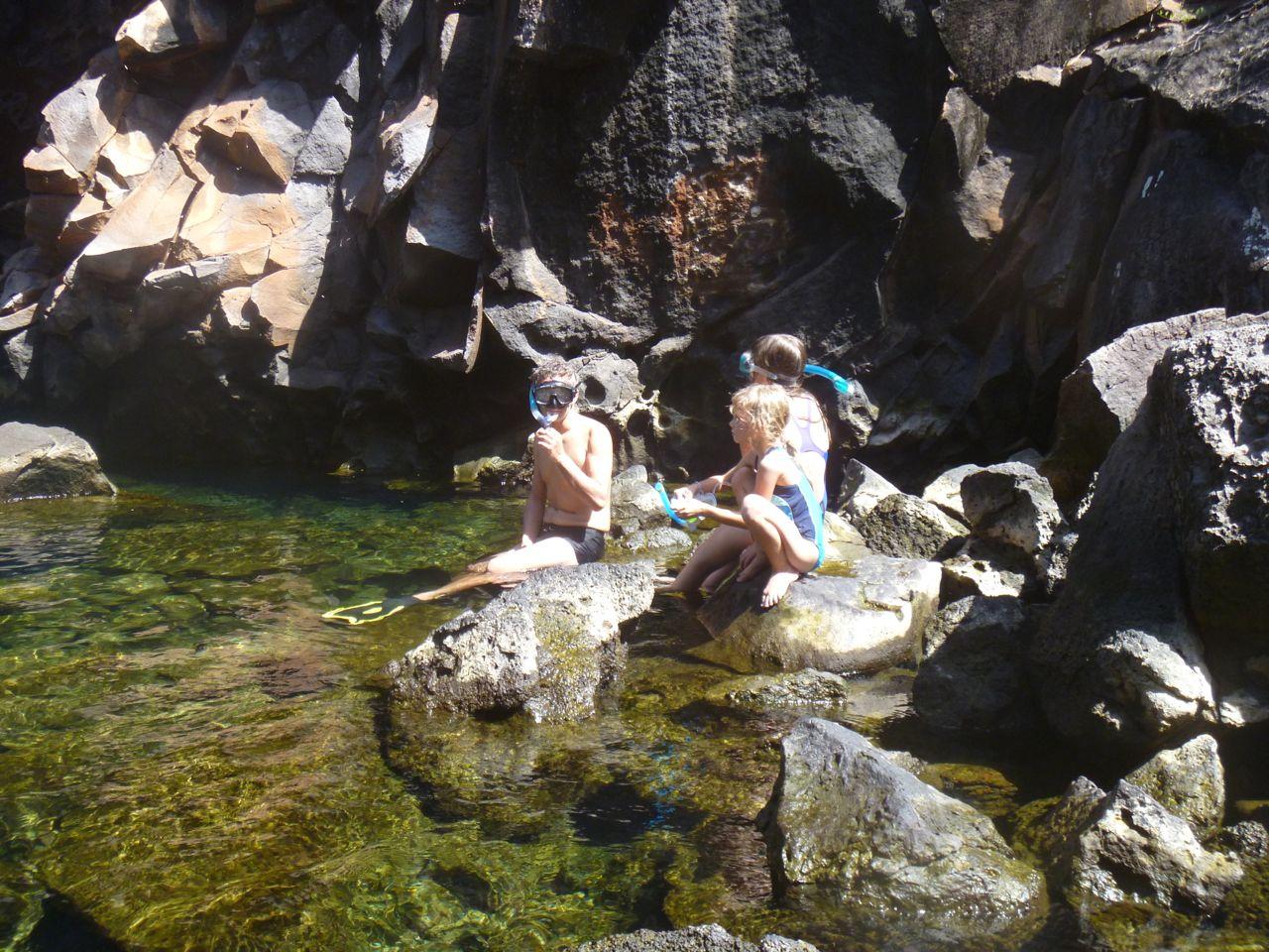 Einstieg zum Schnorcheln in las Grietas auf Santa Cruz Galapagos