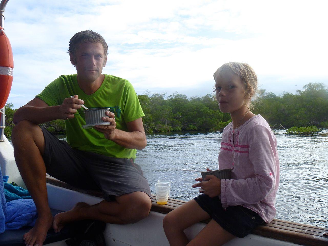 Stärkung nach dem schnorcheln auf Isabela Galapagos