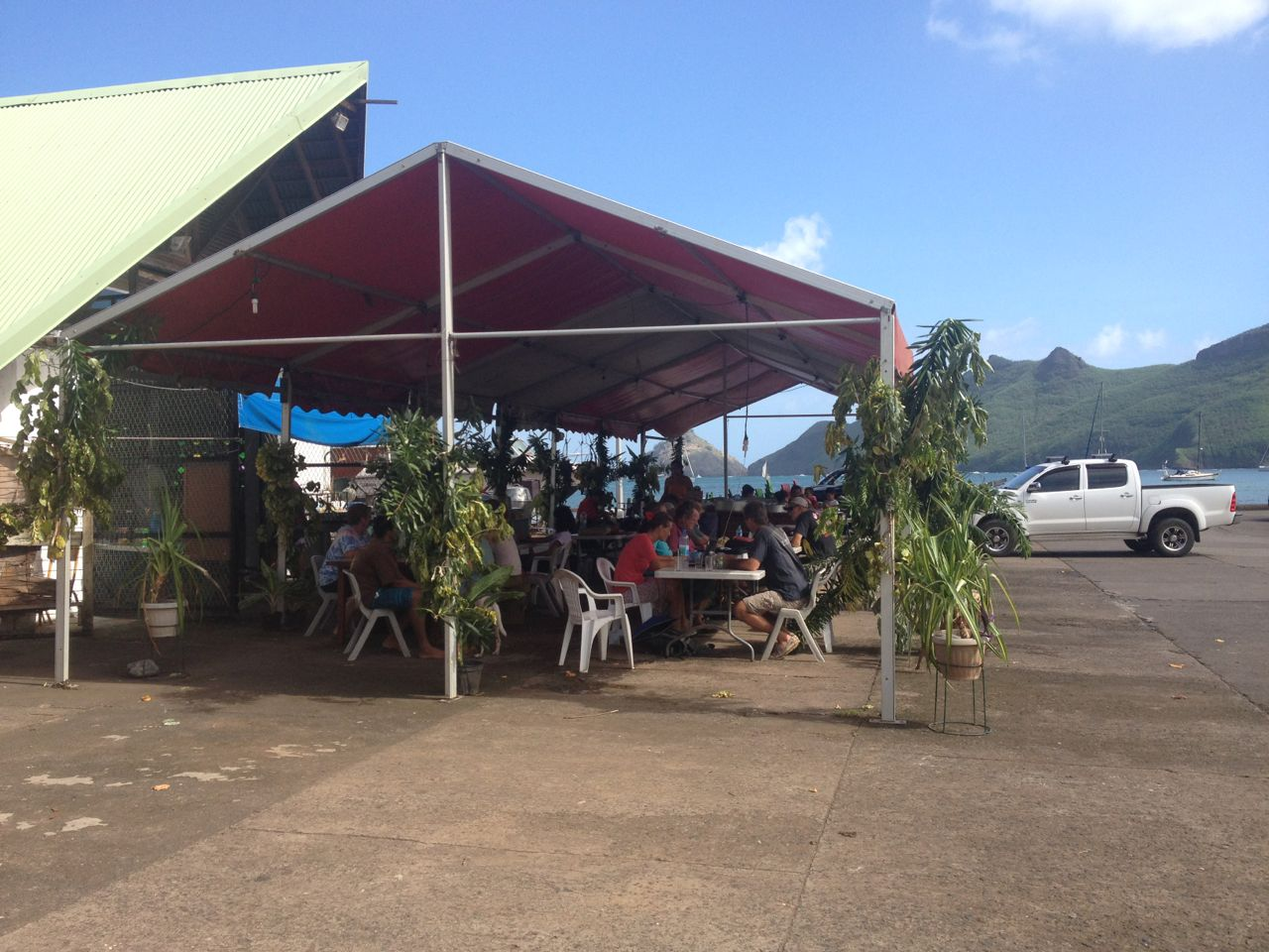 Internetcafe, outdoor in Taiohae auf Nuku Hiva Marquesas