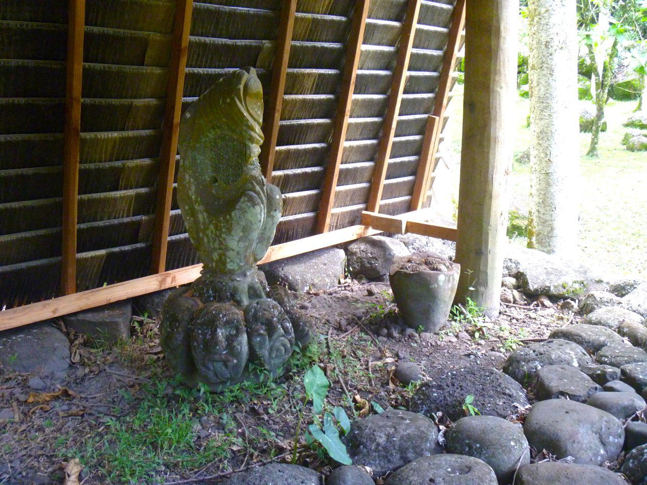 Geschenke von den Osterinseln zu Festen auf Nuku Hiva
