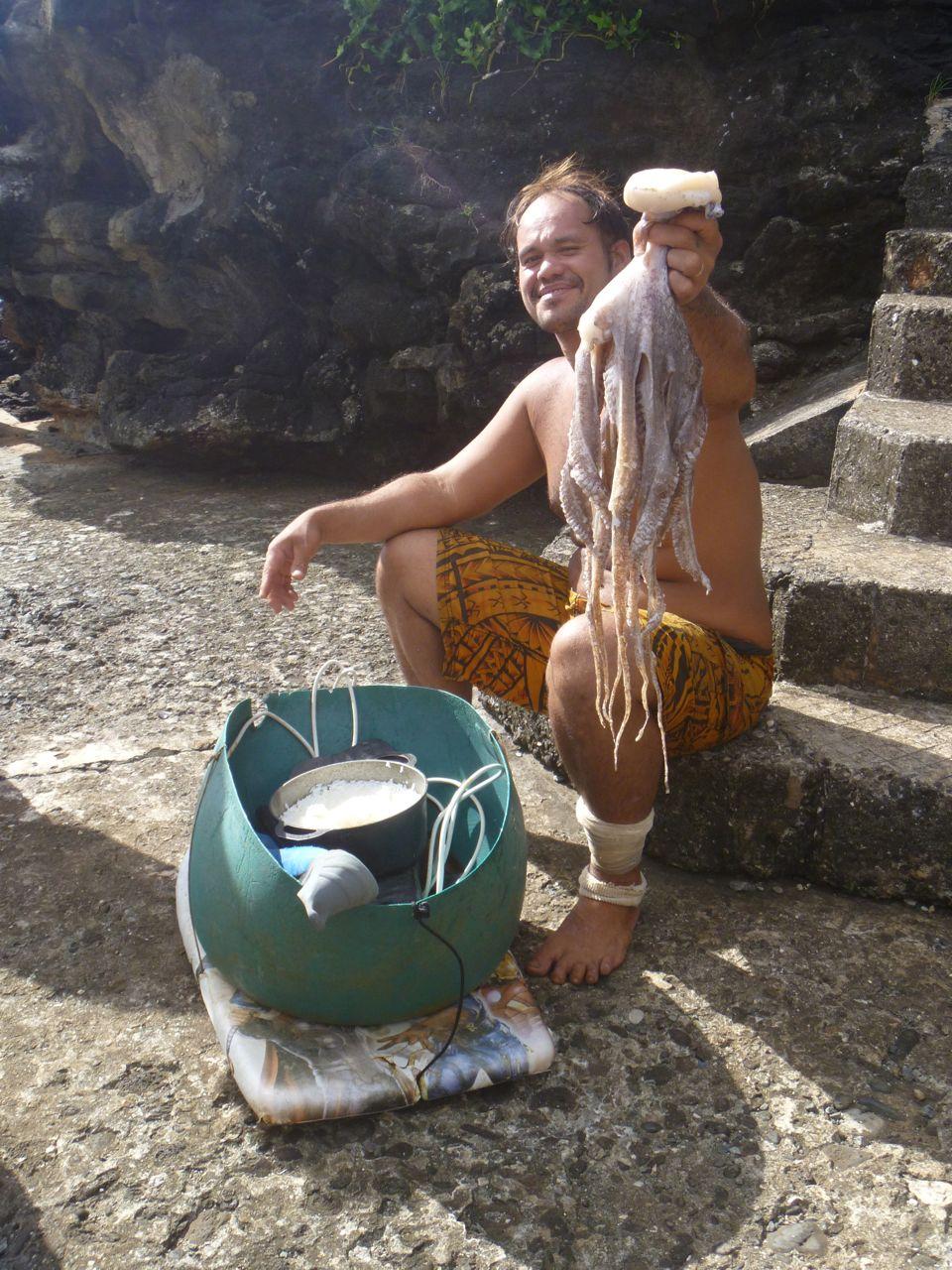 Oktopuss nur Mit Flossen und Brille aus dem Meer geholt