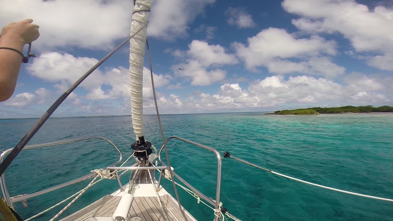 Es ist geschafft, die hapa na sasa hat die Lagune von Mopelia erreicht.