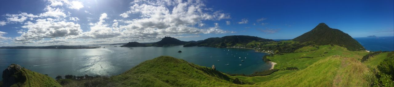 Oben angekommen haben wir einen wunderebaren Blick über die Bucht