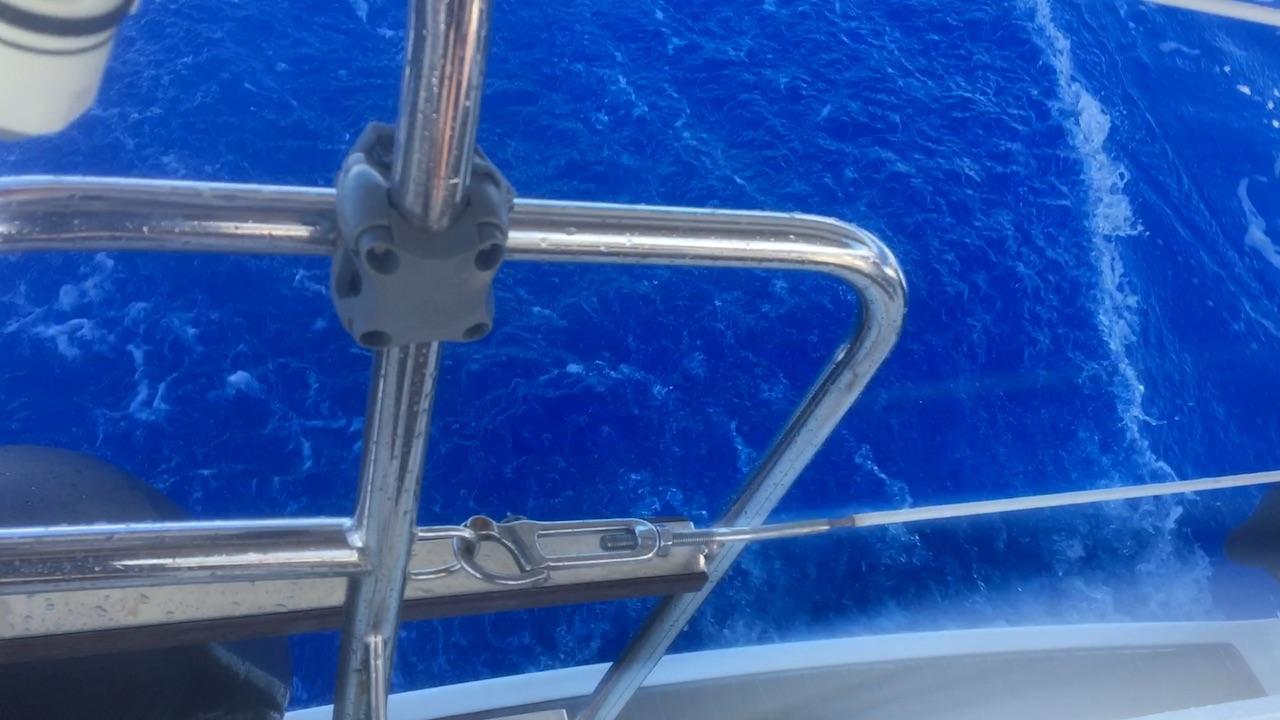 Das blaue Kielwasser der hapa na sasa
