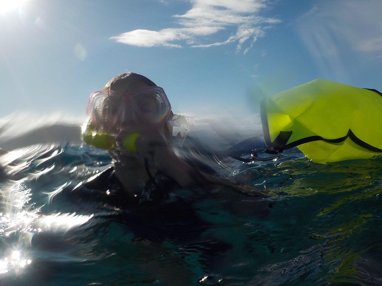 Paula beim Schnorcheln am Rainbow Reef