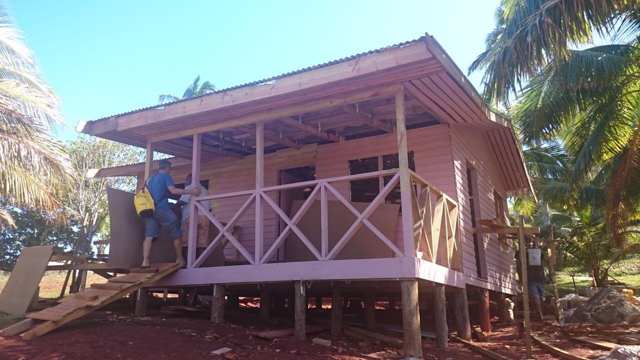 Das neue Haus für eine der Lehrerinnen auf Komo