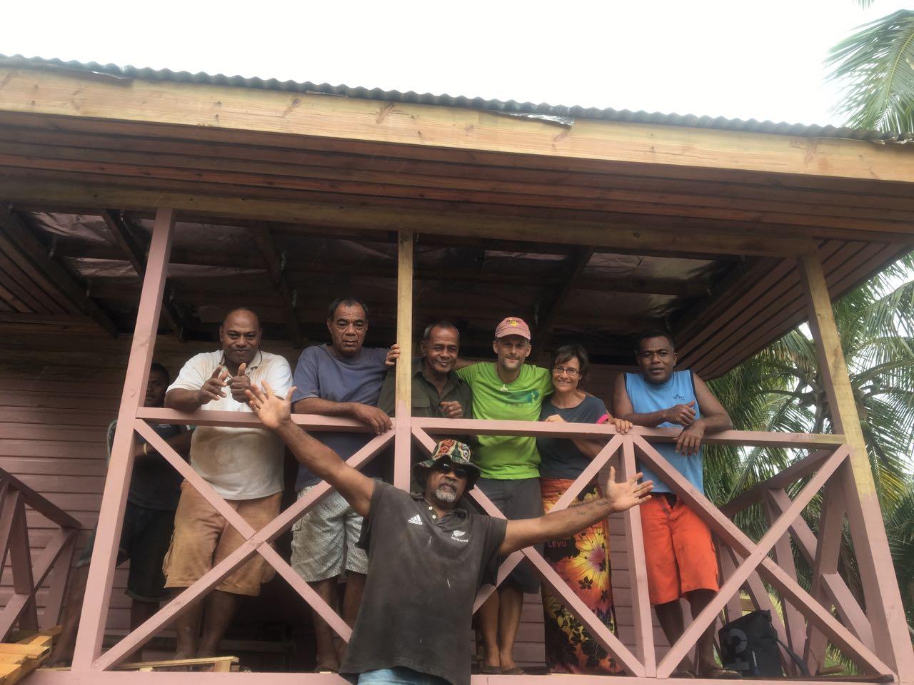 Die Crew vom Bau auf Komo