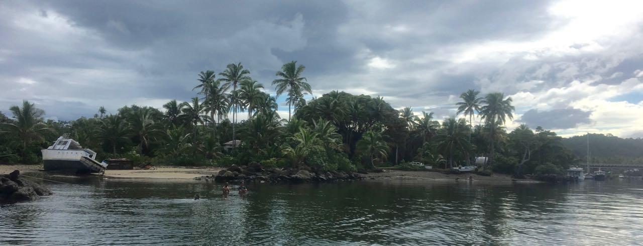 Einfahrt zum Luxusresort in Fidschi