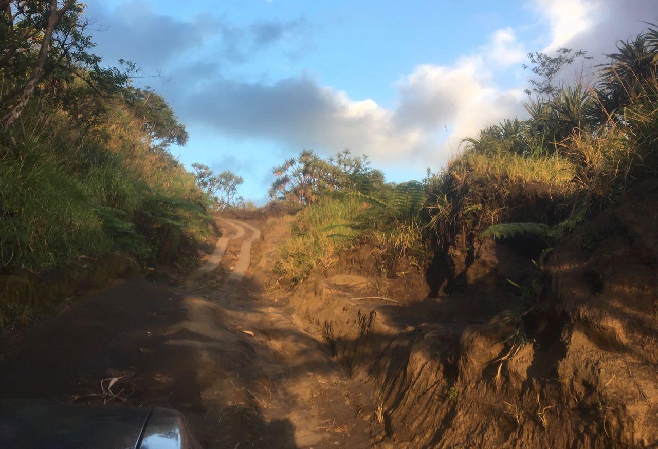 Netter Track auf dem Weg zum Mount Yasur auf Tanna in Vanuatu
