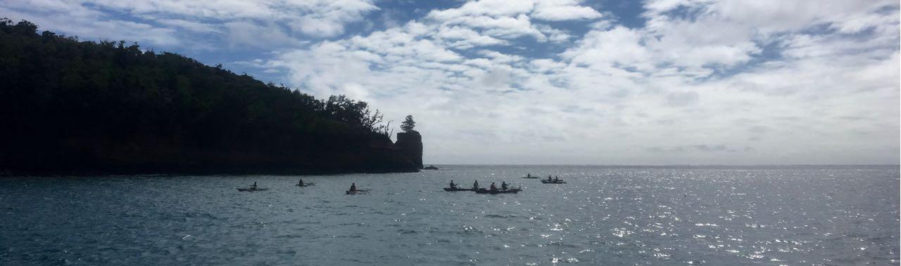 In der Port Resolution Bay auf Tanna Vanuatu wird noch mit Dugouts gefischt