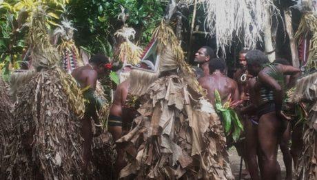 Die Kostüme der Tänzer der Rom Dances sind wirklich aufwendig und sicherlich sehr warm