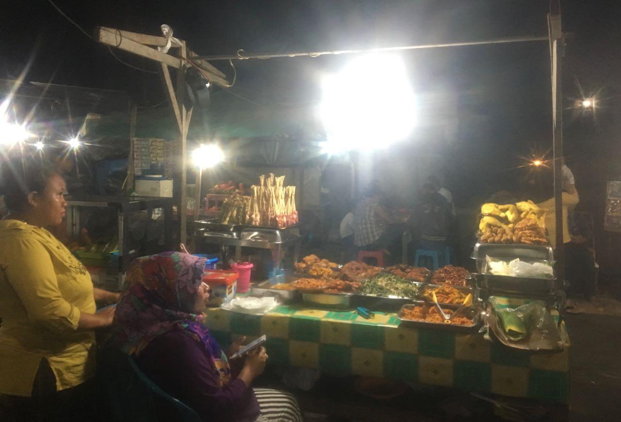 Dieser Stand ist unser absoluter Favorit auf dem Night Market in Kupang West Timor