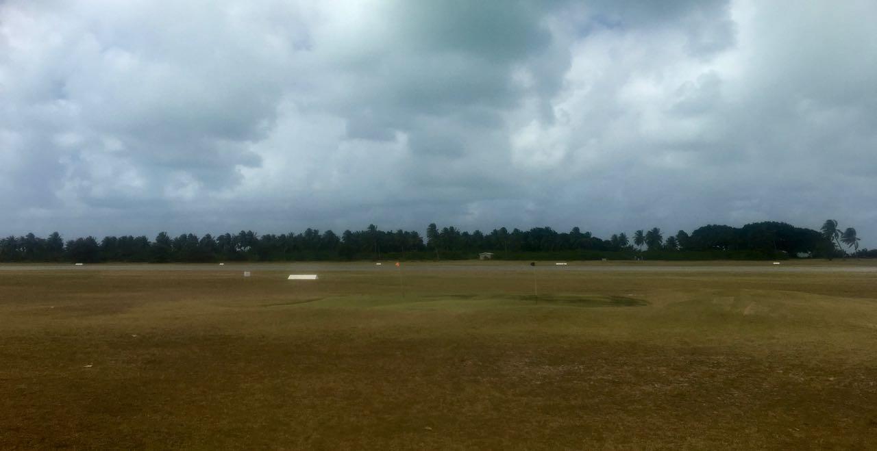 An bestimmten Tagen wird auf dem Flugfeld in Cocos Keeling Golf gespielt
