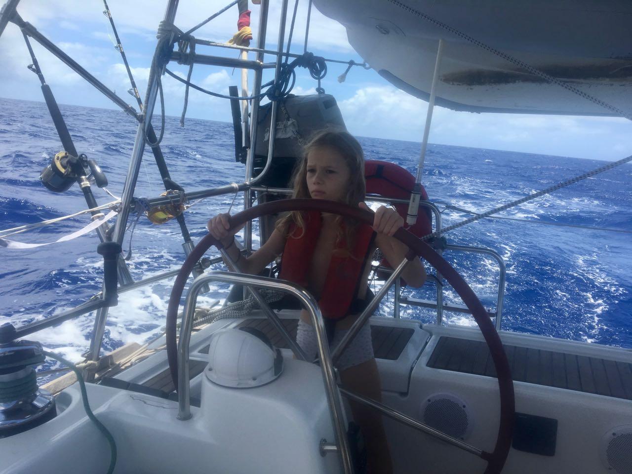 Paula am Steuer der hapa na sasa