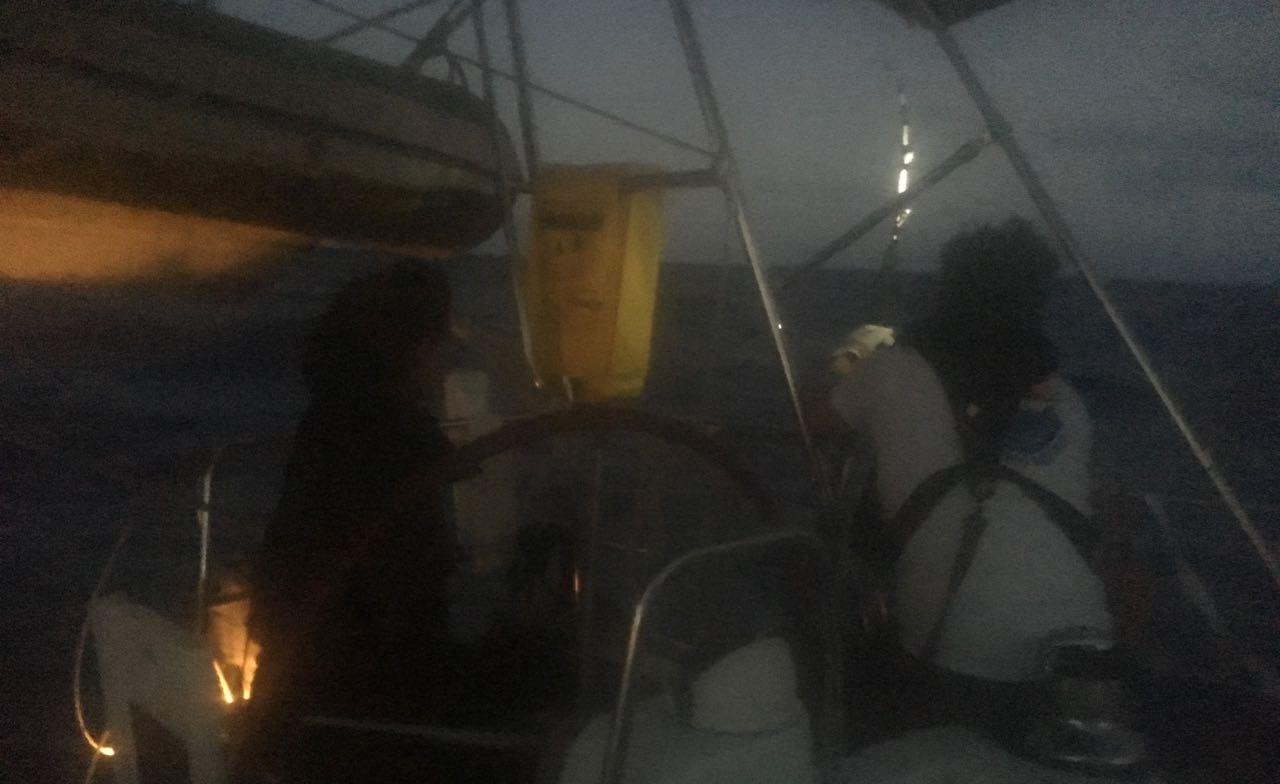 Fishaction im Dunkeln auf der hapa na sasa