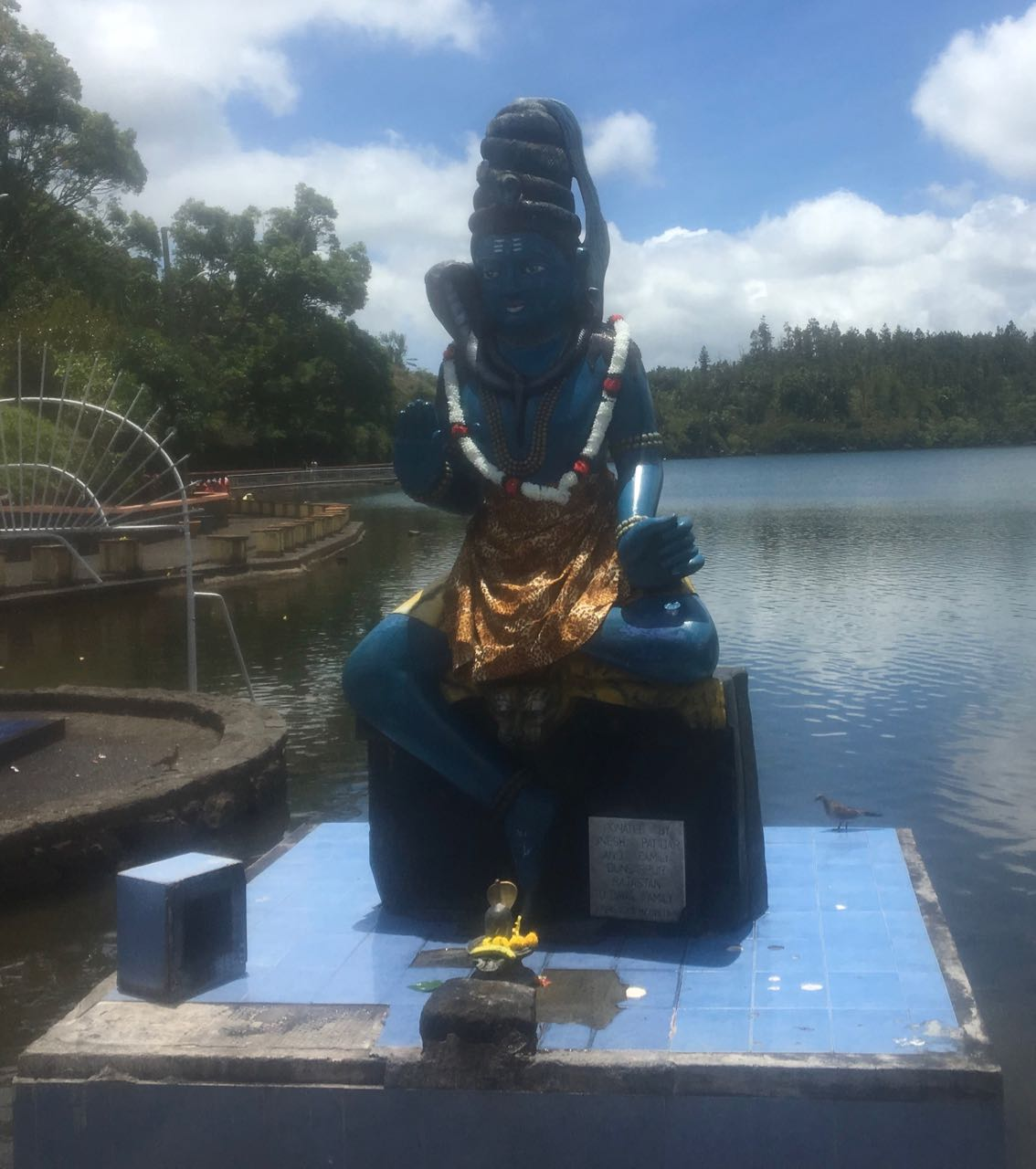 Götterstatue am Grand Bassin des Ganga Talao Tempels auf Mauritius